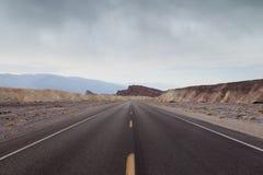 Death Valley väg Royaltyfria Bilder