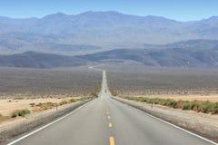Death Valley väg Arkivbilder