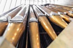 Deatil de l'organe majestueux dans l'église de roche de Temppeliaukio photos libres de droits