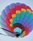 Debaixo do tiro do balão de ar quente do tributo Imagem de Stock