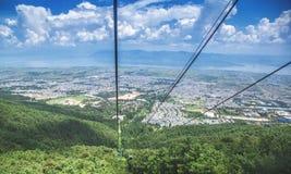 Debajo de ciudad de la mucha altitud Fotografía de archivo