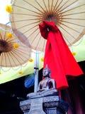debajo de la sombra del budismo Fotos de archivo libres de regalías