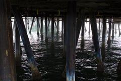Debajo de Santa Monica Pier Fotografía de archivo