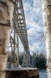 Debajo del puente del ferrocarril Fotos de archivo libres de regalías