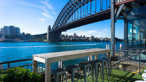 Debajo del puente del puerto en Sydney, Australia Fotos de archivo