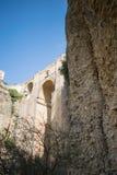 Debajo del puente en Ronda, España Fotografía de archivo libre de regalías