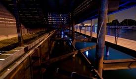 Debajo del Riverwalk imagen de archivo libre de regalías