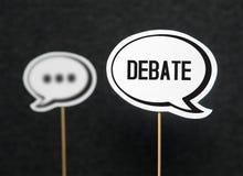 Debattera, föra dialog, kommunikations- och utbildningsbegreppet arkivfoton