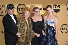 Debbie Reynolds y Carrie Fisher y Todd Fisher y Billie Lourd foto de archivo