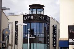 Debenhams em Carmarthen, Carmarthenshire, Gales foto de stock royalty free