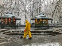 Deber de la nieve en Manhattan Nueva York el 21 de marzo de 2018 Imagenes de archivo