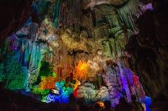 Debido a la gruta de plata china en la ciudad de Guilin de Guangx imagen de archivo