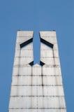 Deblin, Польша - 19-ое апреля 2017: Закройте вверх для самолета на статуе героикоромантических авиаторов около музея военновоздуш стоковое изображение