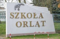 Deblin Polen - April 19, 2017: Information om akademi för Orlat polermedelflygvapen i Deblin Arkivfoton