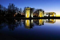 Debod寺庙惊人的日落视图在市马德里 图库摄影