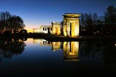 Debod寺庙惊人的日落视图在市马德里 免版税库存照片