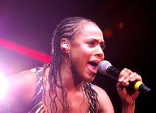 Deborah Cox - concert de véritables couleurs Image stock