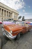 DEC 30, 2009. Gammal amerikansk bil i Havana fotografering för bildbyråer