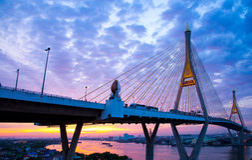 5 Dec 2017, Bangkok, Zonsopgang/zonsondergangbrug 2 van hemelbhumibol Facili Stock Afbeeldingen