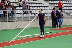 DecaNation国际室外游戏的Lavillenie赫诺・塞尚2015年9月13日在巴黎,法国 他是奥林匹克冠军 免版税图库摄影