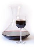 Decantatore con vino rosso fotografia stock