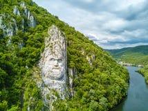 Decebal głowa rzeźbiąca w skale, Danube wąwozy, Żelazne bramy, obrazy royalty free