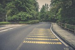 Free Deceleration Zone-winding Road Royalty Free Stock Images - 137101569