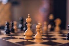 03 december, 2016: Het houten stuk van de schaakraad binnen gegoten Kronborg Royalty-vrije Stock Foto's
