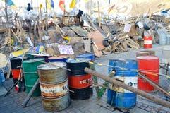 December-Januari 2013, Kiev, Ukraina: Euromaidan Maydan, Maidan detailes av barrikader och tält på den Khreshchatik gatan Royaltyfri Bild