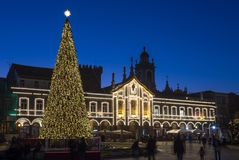 6 December 2018, Kerstboomverlichting in Braga stock afbeelding