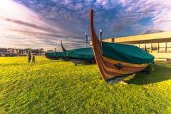 04 december, 2016: Replica's van Viking-barkassen in Vikin royalty-vrije stock afbeeldingen