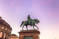 02 december, 2016: Standbeeld bij Christianborg-paleis in Kopenhagen, Stock Fotografie