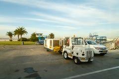 2017, 11 December, Tel Aviv, Israël - vervoer bij de luchthaven van Luchthaven ben-Gurion in Israël Royalty-vrije Stock Foto