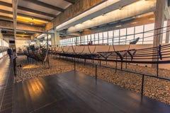 04 december, 2016: Viking-schepen binnen Viking Ship Museum van Royalty-vrije Stock Foto's