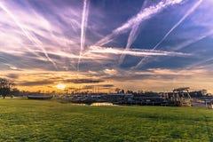 04 december, 2016: Wolken boven Viking Ship Museum van Roskil Royalty-vrije Stock Afbeelding
