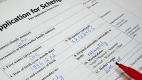 Decisione da rifiutare di assegnare il modulo di domanda di visto di Schengen archivi video