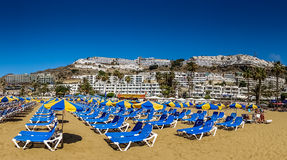 Deck chairs on the beach Royalty Free Stock Photos