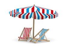 Deckchair twee en parasol op witte achtergrond Royalty-vrije Stock Afbeeldingen