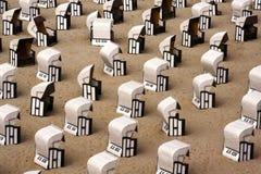 Deckchairs di vimini Fotografia Stock Libera da Diritti