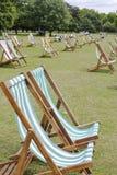 Deckchairs in Park Hyde. Londen. Engeland Royalty-vrije Stock Foto's