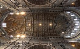 Decke des Heiligen Peter Basilica, Vatikan, Rom Lizenzfreie Stockfotos