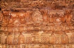 Decke mit geschnitzten Steinmustern innerhalb des Durga-Tempels des 7. Jahrhunderts, hindischer Tempel der mittelalterlichen Ära  Lizenzfreie Stockfotografie