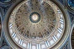 Decke in St Paul Basilika Stockfotos
