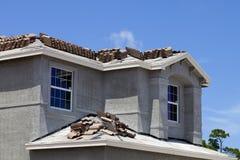 Decken Sie Dach mit Ziegeln Lizenzfreie Stockfotos
