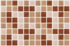 Decken Sie das Mosaikquadrat mit ziegeln, das mit rotem rosa backg Beschaffenheit des Funkelns verziert wird stockbild