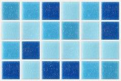 Decken Sie den quadratischen blauen Beschaffenheitshintergrund des Mosaiks mit Ziegeln, der mit glitte verziert wird Lizenzfreies Stockfoto