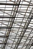 Deckenbau gemacht vom Metall lizenzfreie stockfotos