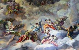 Deckenmalerei in der religiösen Version Stockfotos