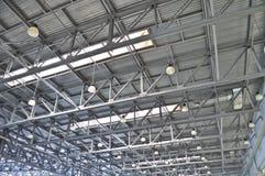 Deckenplatten in den Industriegebäuden lizenzfreies stockfoto