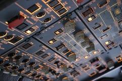 Deckenschalttafel A320 Stockfotos